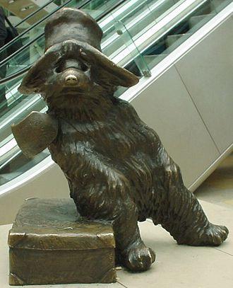 Paddington Bear - Bronze statue of Paddington Bear, by sculptor Marcus Cornish, at Paddington Station