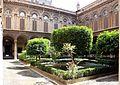 Palazzo doria pamphili, cortile d'onore 01.jpg