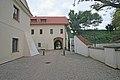 Pardubický zámek, Pardubice 1 brána.JPG