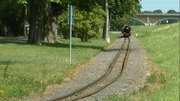 File:Parkeisenbahn Auensee 2015-08-01.webm