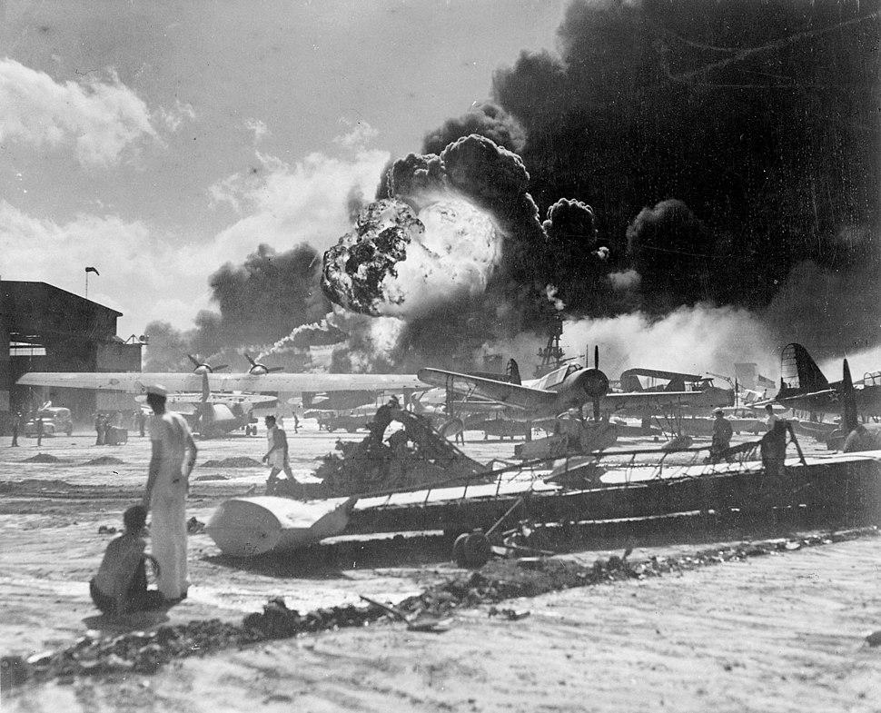 PearlHarbor brennende Flugzeuge