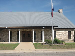Pearsall, Texas - Image: Pearsall (TX) Town Hall IMG 0479