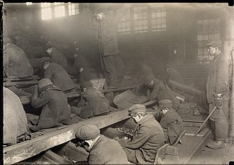 Lewis Hine - Pennsylvania coal breakers, (Breaker Boys), 1912