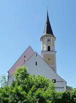 Die katholische Pfarrkirche Mariä Heimsuchung in Ergolding