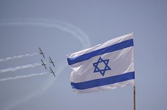 Independence Day (Israel) - An air display in Tel Aviv on Israel's 61st Independence Day