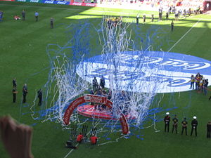 History of Sheffield Wednesday F.C. - Wednesday Lift the 2005 League One Playoff Trophy