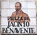 Plaza de Jacinto Benavente (Madrid).jpg