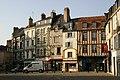 Poitiers-110-Platz bei Notre Dame la Grande-2008-gje.jpg