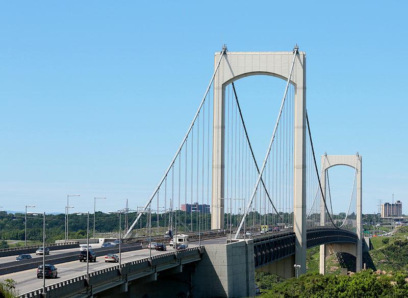 File:Pont Pierre-Laporte de Québec.jpg
