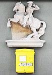 Postkasten mit Pferd und Reiter am Postamt Velden a.Wörthersee, Villach Land, Kärnten.jpg