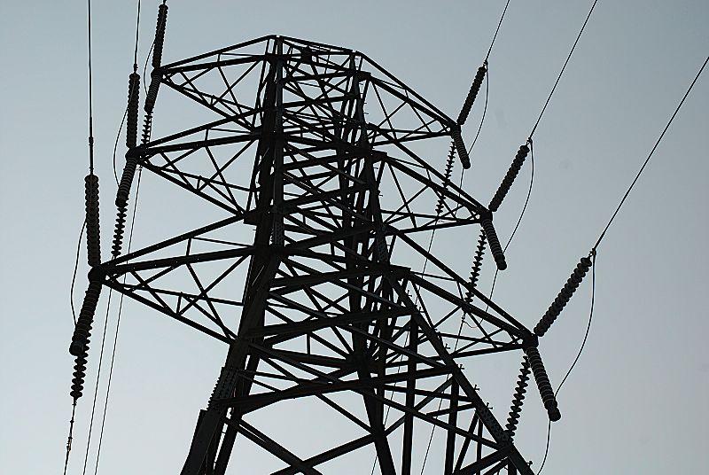 File:Powerlines2b.JPG