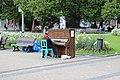 Praha, náměstí Míru, pianista (1).jpg
