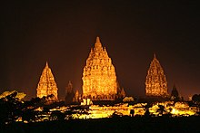 Candi BOROBUDUR buatan SALOMO, hahahaha... 220px-Prambanan_at_night