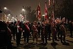 Przemarsz pocztów sztandarowych podczas uroczystości odsłonięcia pomnika prezydenta Lecha Kaczyńskiego.jpg