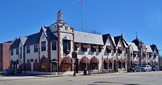 Libertyville, Illinois - Image: Public Service Building (8610934664)
