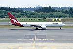 Qantas Airways Boeing 767-338ER (VH-OGE-24531-278) (15937683160).jpg