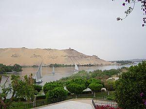 Excavación arqueológica en Qubbet El-Hawa