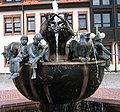 Rathausbrunnen Enkenbach-Alsenborn Baalborner Stier Mehlinger Hohlwampe-Neukircher Besenbinder Enkenbacher Kuckuck Alsenborner Bajass.jpg