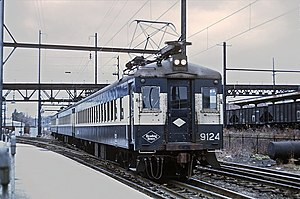 Reading electric multiple units - Image: Reading 9124 arriving at Norristown, PA on November 30, 1968 (23898699335)