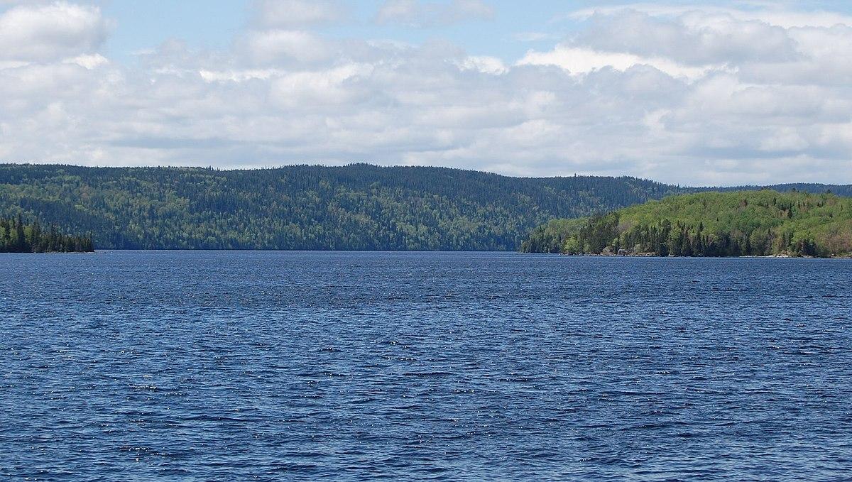 Lac Kénogami — Wikipédia