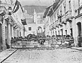 Rivadeneira, Benjamin - Barrikade während Straßenschlachten in Quito (Zeno Fotografie).jpg