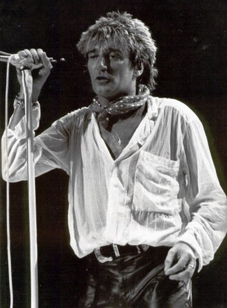 Rod Stewart - Stewart performing in Paris, 1986