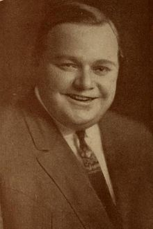 Roscoe Arbuckle in Motion Picture Magazine (May 1914) (Cropped).jpg