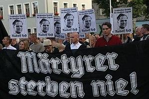 Rudolf Hess Gedenkmarsch 2004 in Wunsiedel
