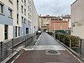 Rue Étienne Dolet à Lyon au niveau de l'école maternelle.jpg
