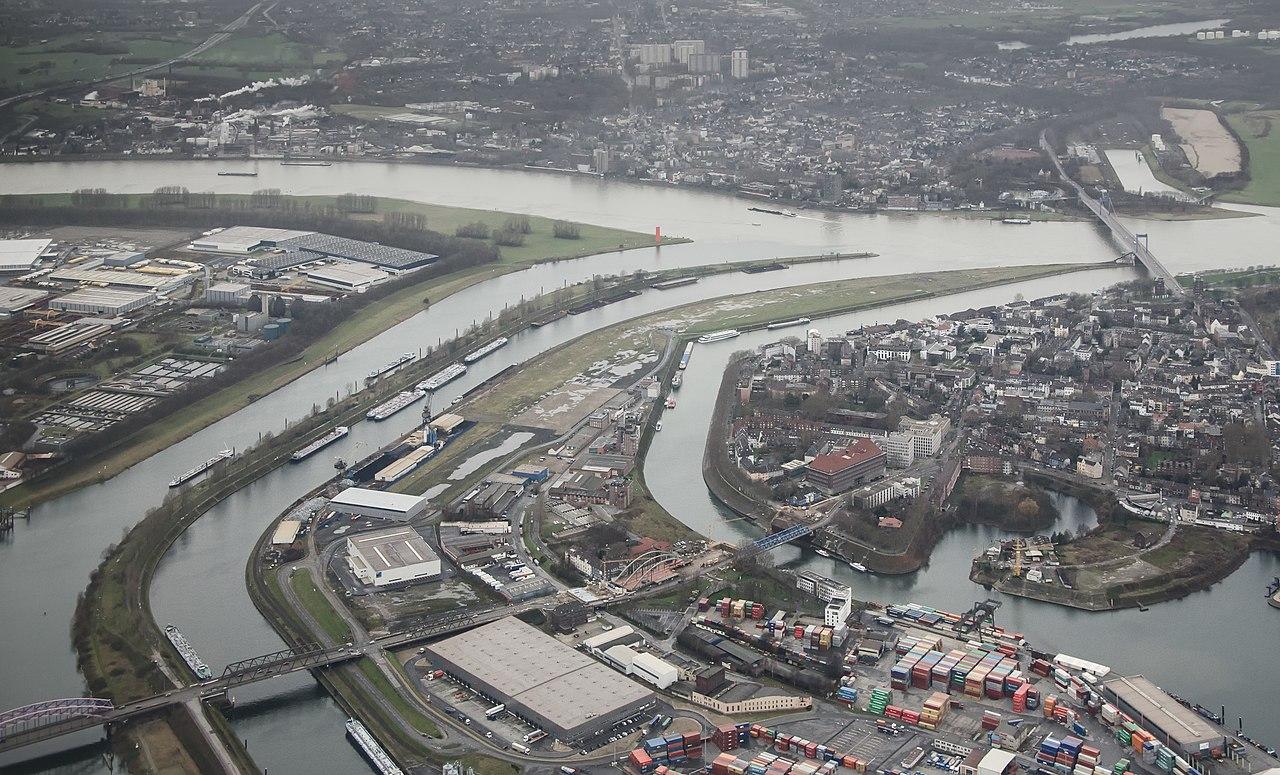 Ruhrmündung Duisburg Luftaufnahme 2014.jpg