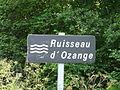 Ruisseau d'Ozange Saint-Exupéry-les-Roches D45 panneau.JPG