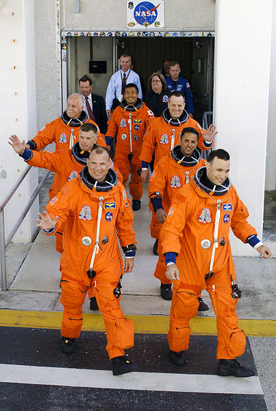 File:STS-119 Day 1 Crew before launch.jpg