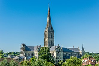 Salisbury - Image: Salisbury Cathedral from Old George Mall