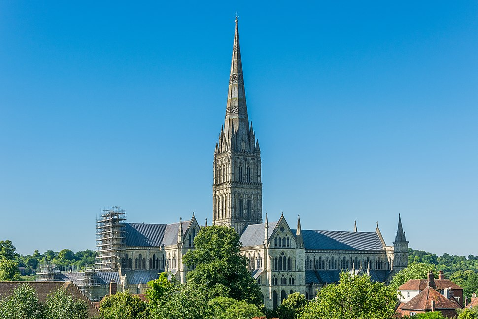 Salisbury Cathedral from Old George Mall