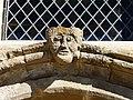 Sarlande église portail au-dessus.JPG