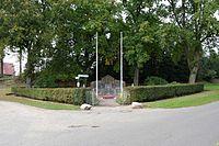 Schleswig-Holstein, Looft, Ehrenmal NIK 9758.JPG
