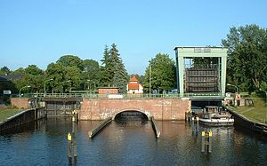 Oder–Spree Canal - A lock on the Oder-Spree Canal in Wernsdorf
