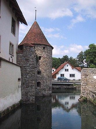 Hallwyl Castle - Image: Schloss Hallwylaussen 2