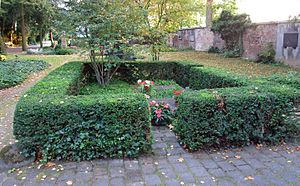 Arthur Schopenhauer - Grave at Frankfurt Hauptfriedhof