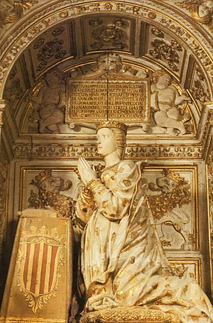 Eleanor of Aragon, Queen of Castile - A statue of Queen Eleonor praying at her Sepulcher