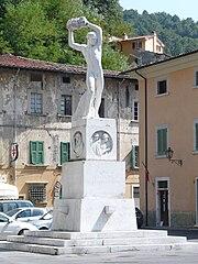 Monumento ai Caduti (Seravezza)