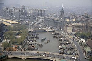 Suzhou Creek - View of the General Post office in 1987.