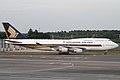 Singapore Airlines B747-400(9V-SPJ) (4990508290).jpg
