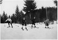 Skieurs canadiens pendant l'entraînement (JO 1936).png