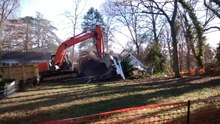 Datei:Small building demolished in Chapel Hill.webm