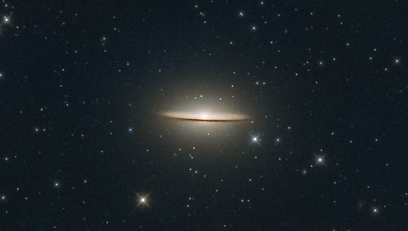 Sombrero Galaxy (also known as Messier Object 104, M104 or NGC 4594) (cropped).jpg