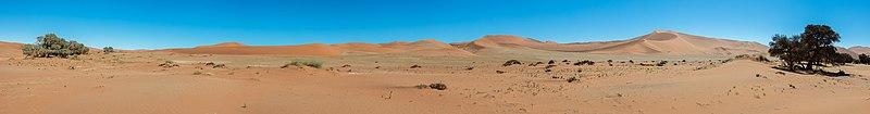 Sossusvlei, Namibia, 2018-08-06, DD 131-139 PAN.jpg