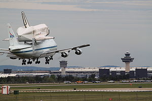 Space Shuttle Discovery landing at Dulles.jpg