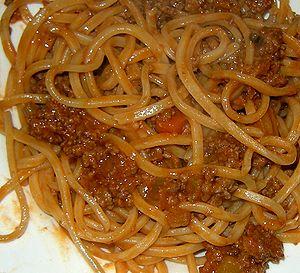 Spaghettoni alla chitarra e ragù