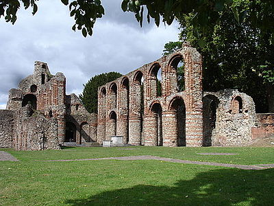 The nave of St Botolph's Priory, Colchester StBotolph'sPriory Colchester.JPG